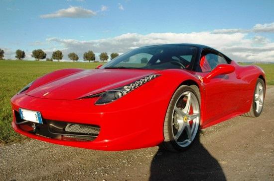 Matrimonio In Ferrari : Matrimoni in aumento in campania non può mancare l auto di lusso